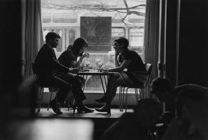 Советское фото: А. Князев. В молодежном кафе. 1970-е